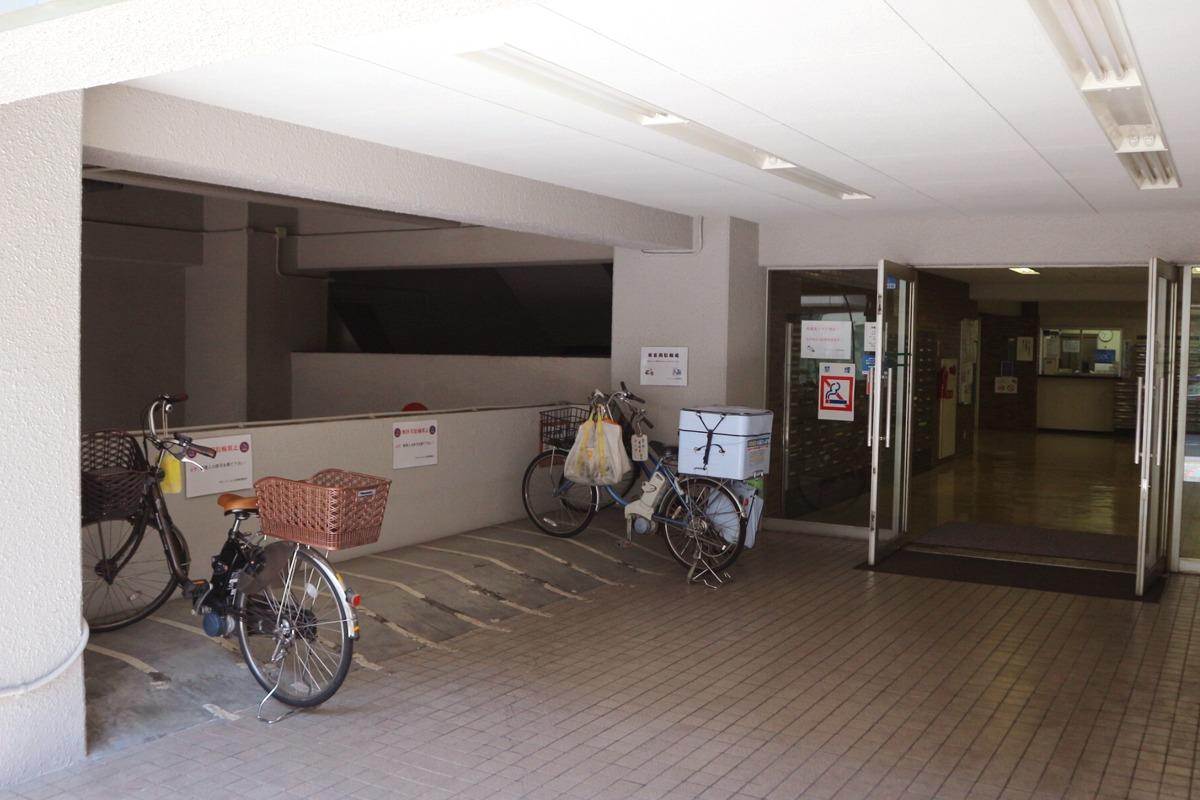 K'sカイロプラクティック駐輪場
